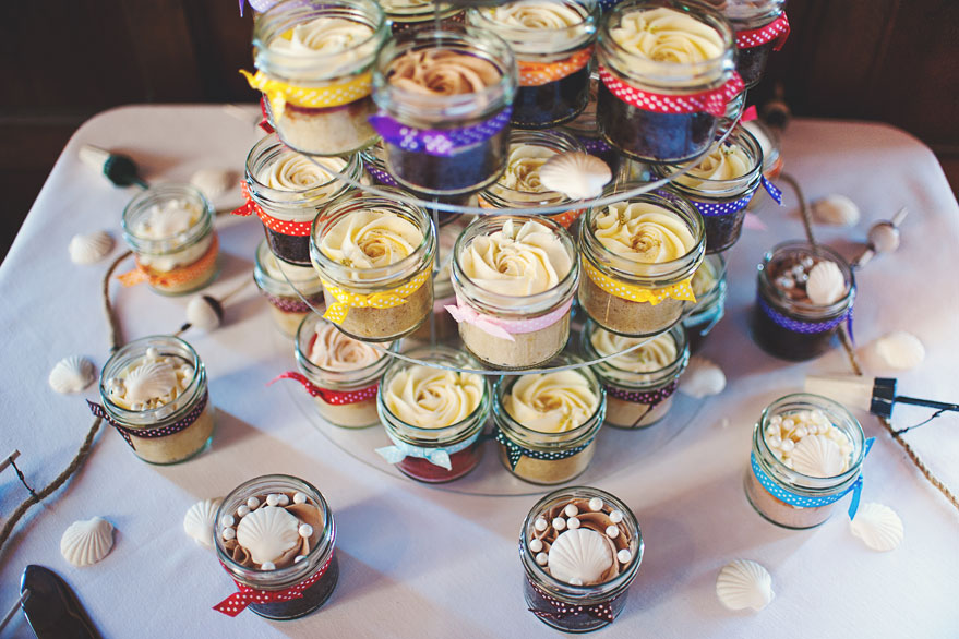 plas rhianfa wedding cake