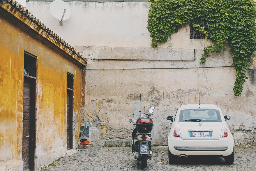 rome narrow streets