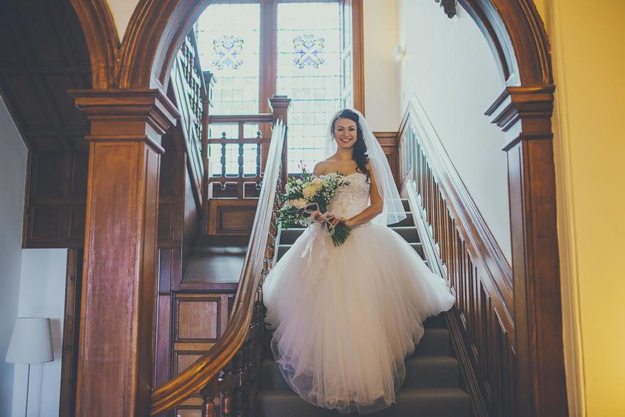 bride getting ready at greystones oban