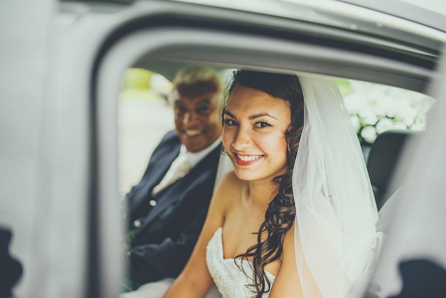 bride arriving at lochnell castle oban