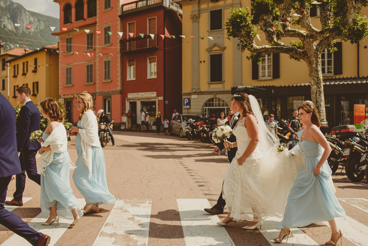 bridesmaids arriving at varenna