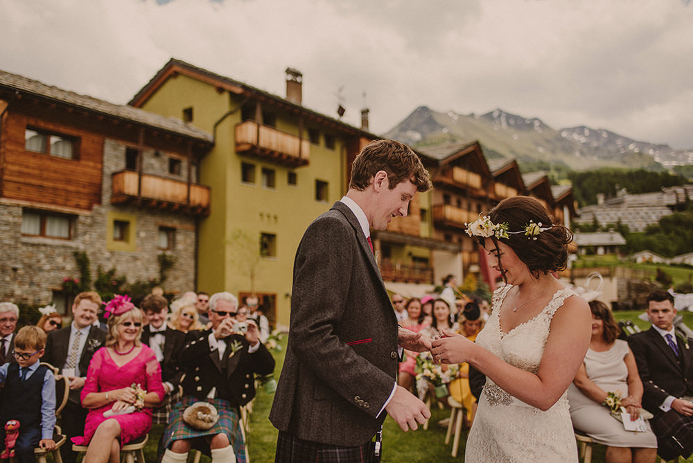 reportage wedding photographer aosta