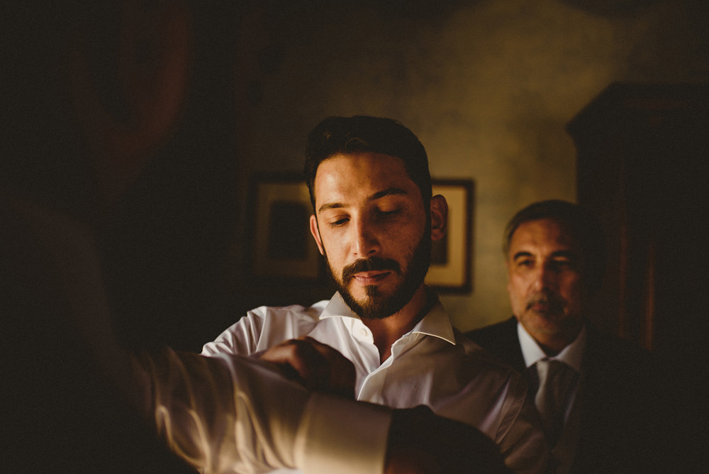 groom getting ready, wedding in suelli