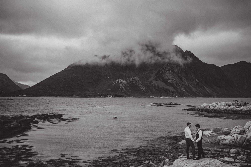 reine lofoten wedding
