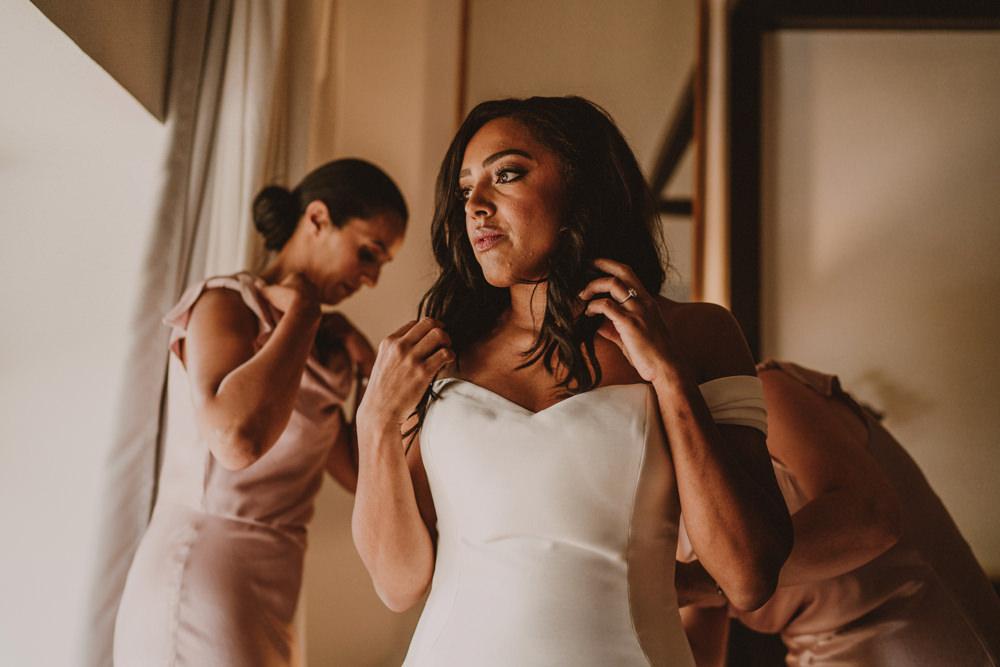 barcelona wedding bride's preparations