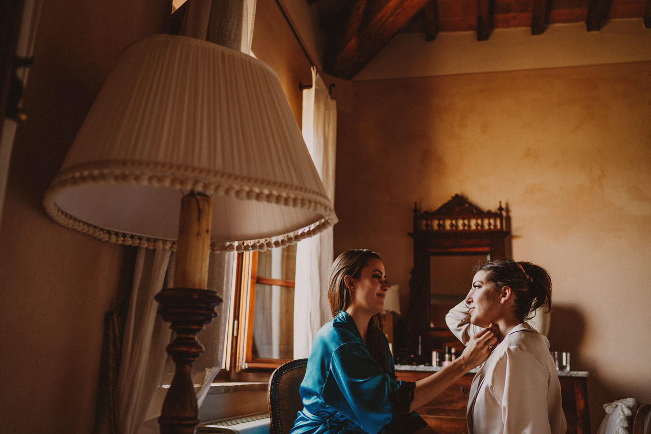 bride getting ready at villa cicolina in tuscany