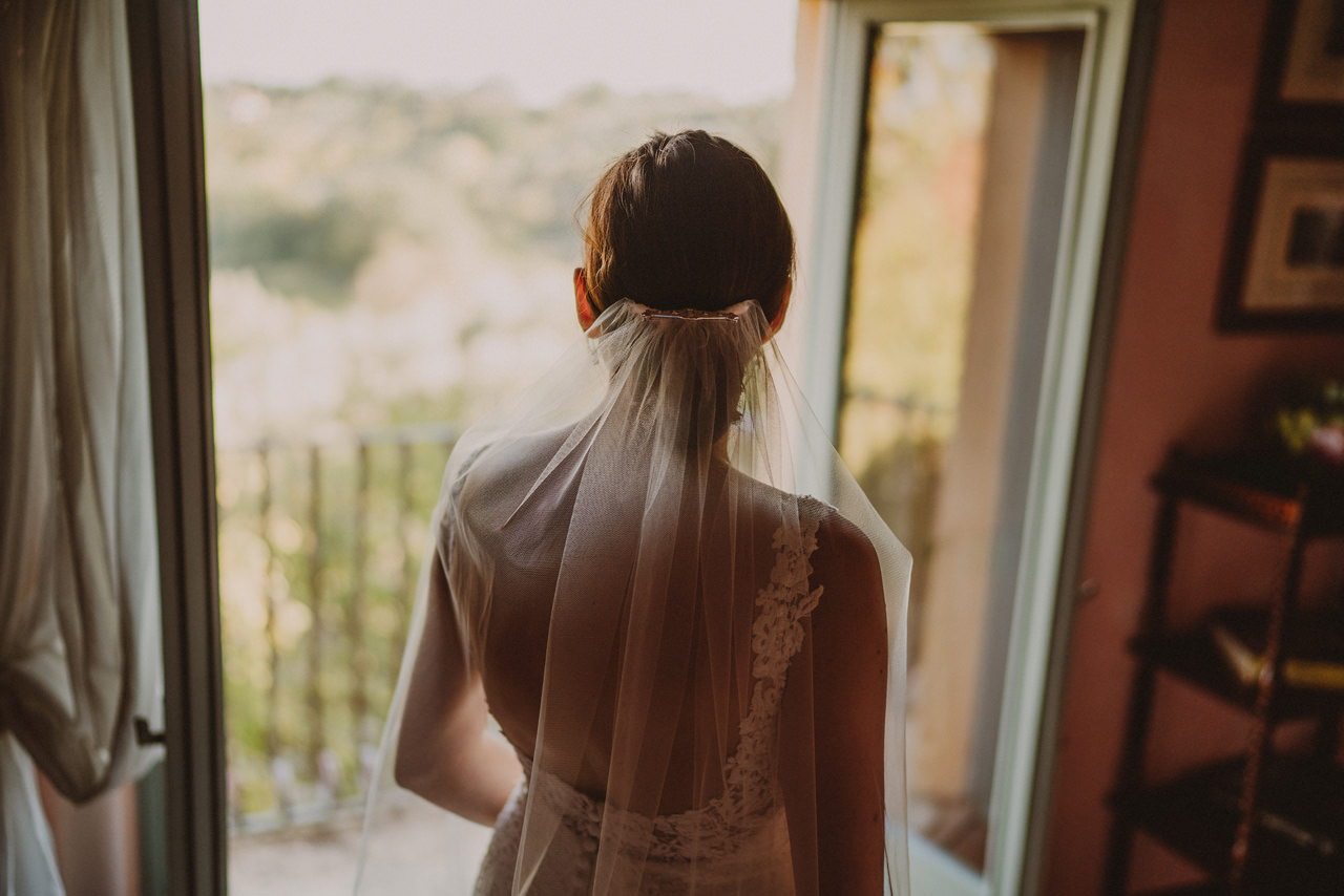 bridal preparations at villa cicolina in italy